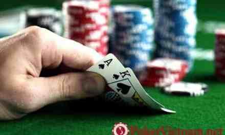 Cách chơi bài Poker với bài Poker A-K