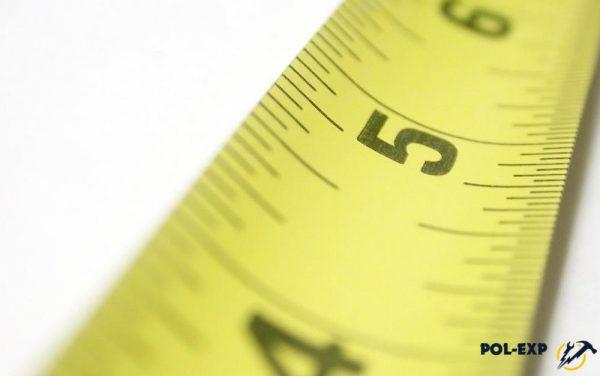 No siempre, la medición del área del piso resulta ser un procedimiento simple