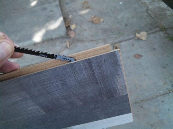 Ελέγξτε την καθαριότητα των κλειδαριών των ελασματοποιημένων σανίδων