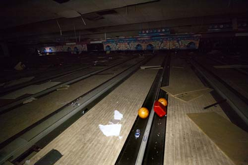 bowling alley_026-retouched