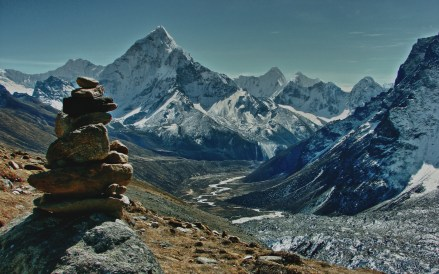 Everest Three Pass Trek Kalapathar Everest region Renjo La Cho La Kongma La pass Himalayan trekking trails