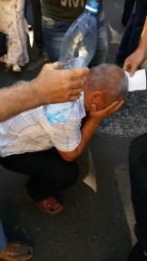 Меткий жандарм зарядил струю газа в лицо человеку