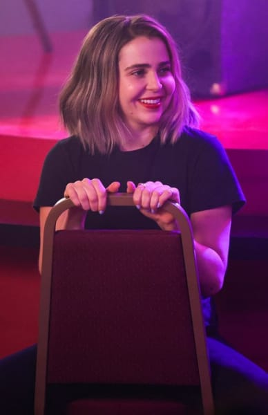 Annie Smiles - Good Girls Season 4 Episode 13