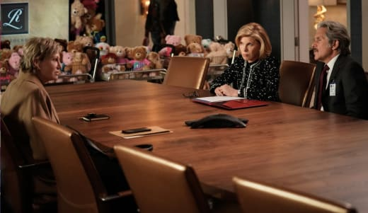 Diane, Kurt, FBI long - The Good Fight Season 5 Episode 3
