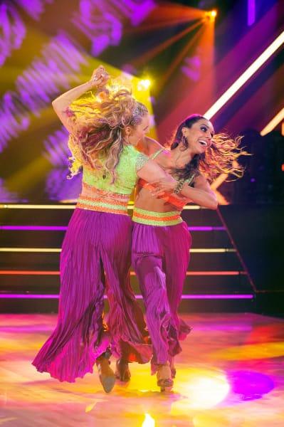 JoJo Siwa and pro Jenna Johnson - Dancing With the Stars Season 30 Episode 1
