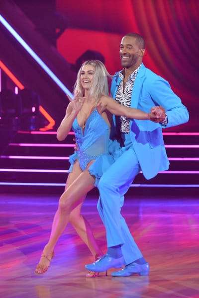 Matt James and pro Lindsay Arnold  - Dancing With the Stars Season 30 Episode 1