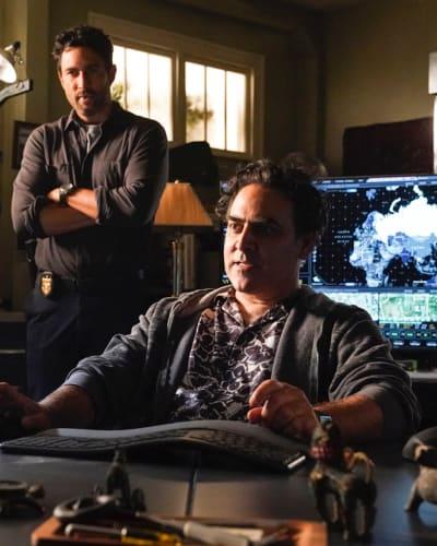 New Team, Same Tricks - NCIS: Hawai'i Season 1 Episode 1