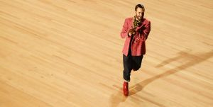 designer marc jacobs walks the runway finale during the news photo 1633645434 1