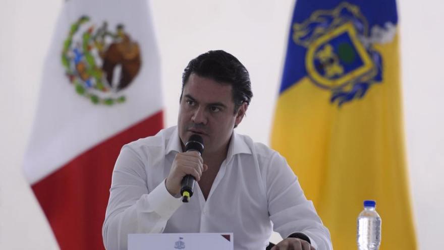 El gobernador de Jalisco, Jorge Aristóteles Sandoval, cuando se veía al espejo y se pensaba el era el próximo presidente de México. Hoy esas aspiraciones se derrumbaron estrepitosamente.