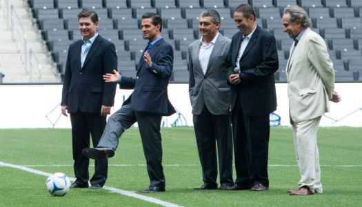 Para evitar abucheos, EPN inaugura estadio sin aficionados