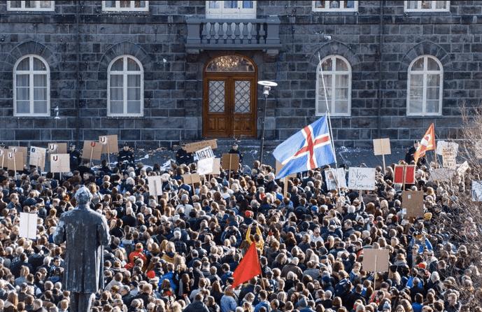 """""""tiene el cien por ciento de su población (sí, son bien poquitos) alfabetizada y, como podemos esperar de un país nórdico, en todos sus niveles la educación es gratuita y de gran calidad""""."""