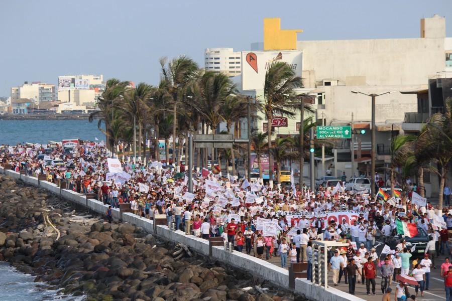 Cierre de campaña de Cuitláhuac García con AMLO en Veracruz. Foto: Especial