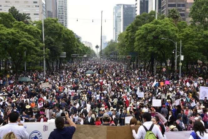 Miles de mexicanos abarrotaron Paseo de la Reforma en el mitin convocado por Morena en solidaridad con los maestros. Foto: @Eneas/Twitter