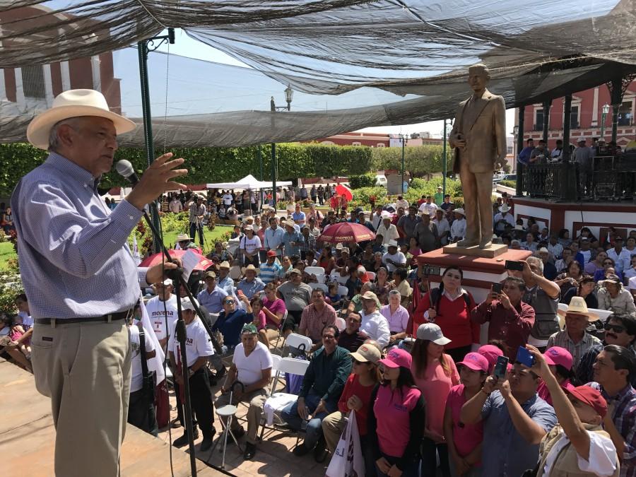 López Obrador en el mitin realizado en Acaponeta, Nayarit. Foto: Especial