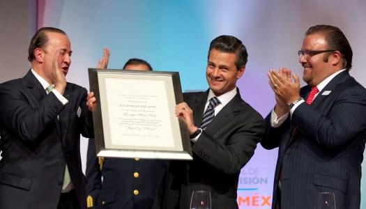 """Pese al rechazo, Peña Nieto publica la """"Ley Chayote"""""""