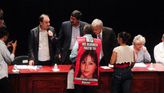 """AMLO a las víctimas de la guerra contra el narco: """"Estoy con ustedes, de corazón"""""""