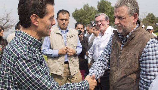 Compadre de Peña Nieto hace millonarios negocios en Capufe