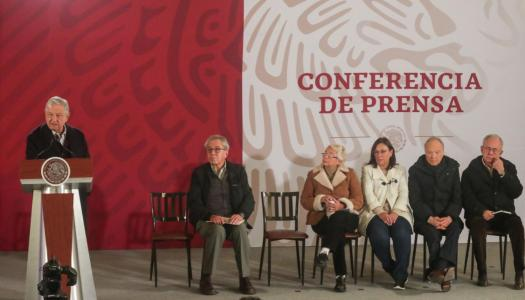 Conferencia de prensa de AMLO sobre explosión en Hidalgo