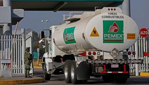 Firma Pemex acuerdo para agilizar traslado de combustible