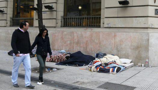 7 de cada 10 mexicanos nacen y mueren pobres en México: CEEY