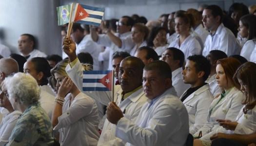 Falso: médicos cubanos no vienen a México; el IMSS lo desmiente
