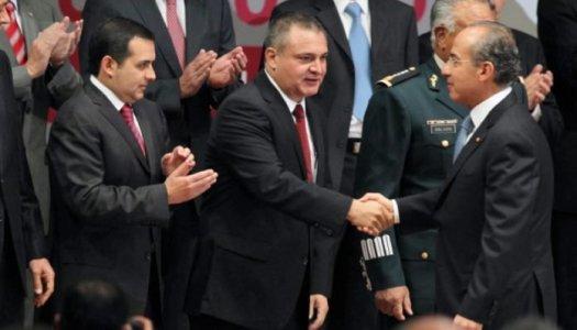 Calderón otorgó contrato millonario a García Luna dos días antes de irse