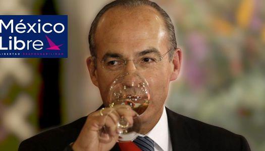 Entre sospechas de fraude, Calderón logra las firmas para México Libre
