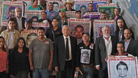 Tras tumbar verdad histórica de EPN, AMLO se reunirá con padres de los 43