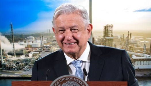 AMLO anuncia compra de refinería en Texas similar a Dos Bocas