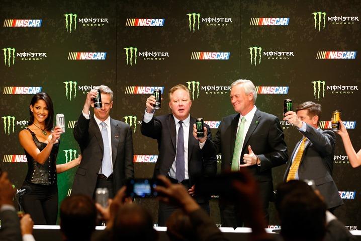 685546513MW00024_NASCAR_Mon