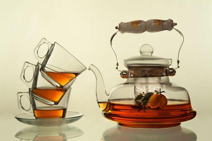 много чая