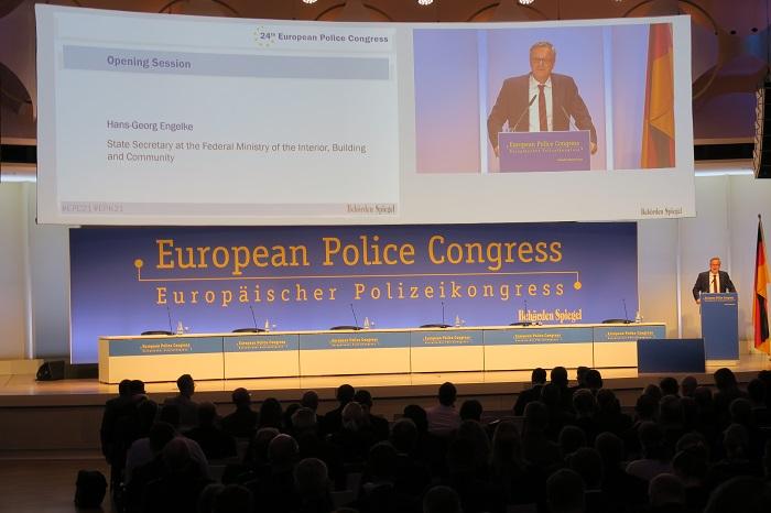 Europäischer Polizeikongress 2021 Berlin Eröffnungsrede von StS Engelke Bundesinnenministerium (C) CIVES Redaktionsbüro GmbH