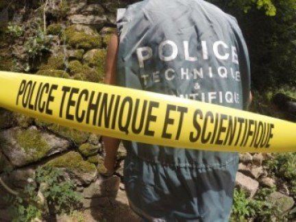 police scientifique de terrain
