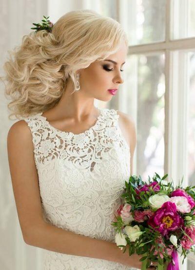 Образ невесты для свадьбы в бордовом цвете