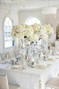 Гостевые столы в белом стиле оформление