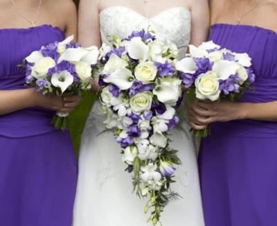 Букет невесты на свадьбу в лавандовом цвете
