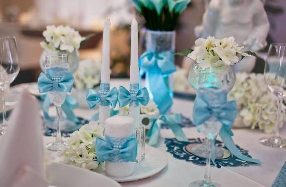 Декупаж свечей и бокалов на свадьбу в голубом