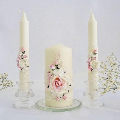 Семейный очаг свечи в розовом стиле