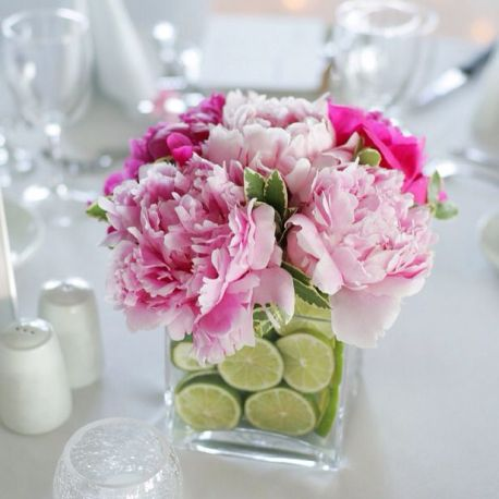 Композиция из живых цветов на свадьбу Москва