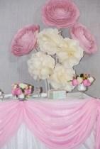 Ростовые ранункулюсы белые и розовые
