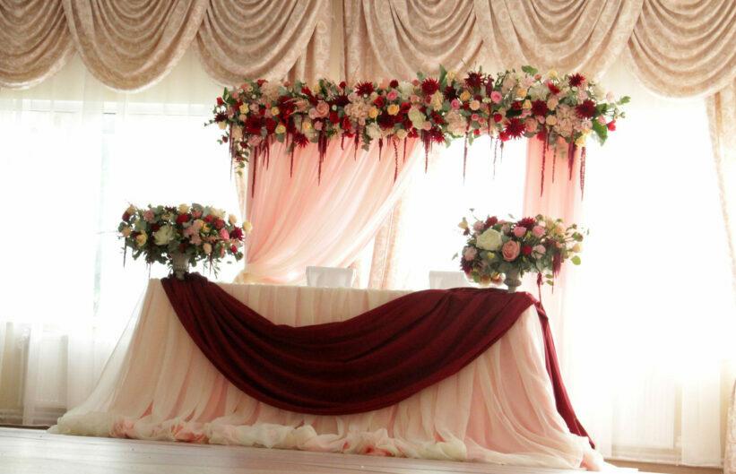 Украшение свадьбы органзой