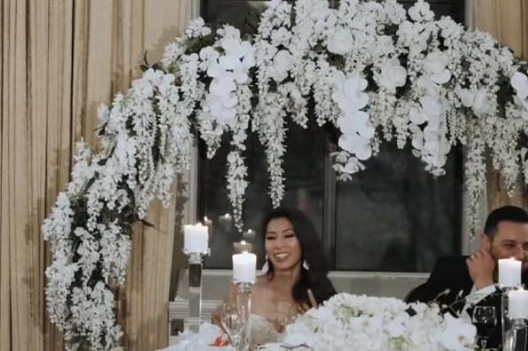 Арка с глицинией на свадьбу