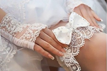 Подвязка на ножку для невесты