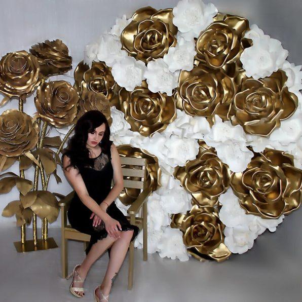 Фотозона в золотом цвете