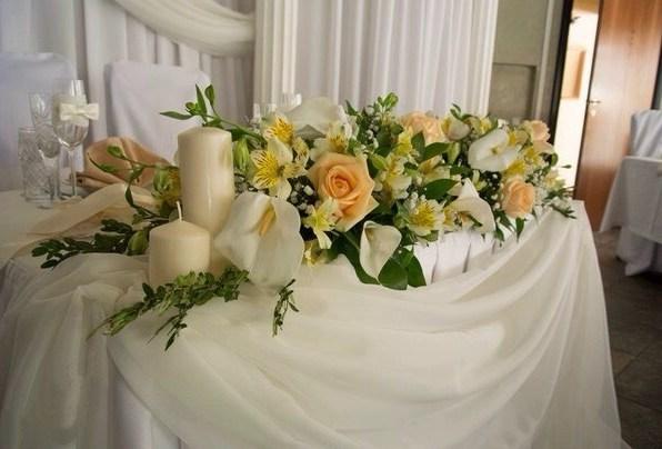 Цветы на свадебный стол фото