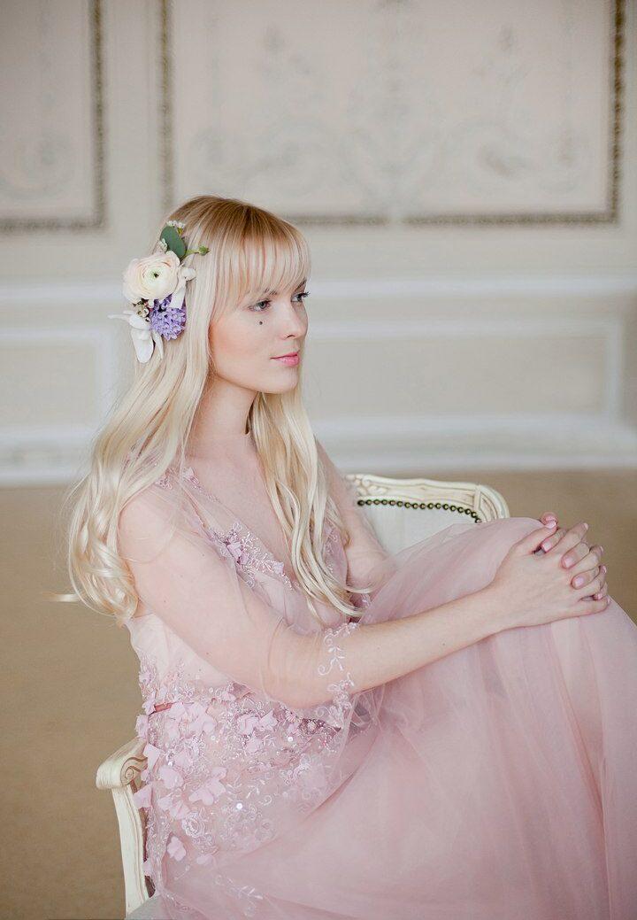 Прическа невесте на волосы средней длины