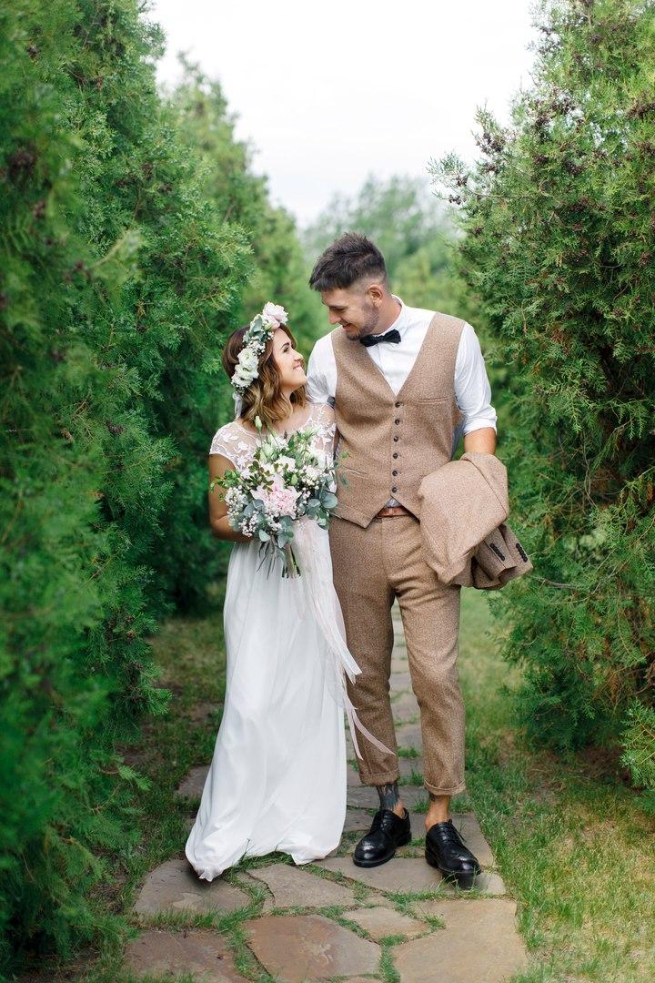 Прическа на свадьбу заказать на дом