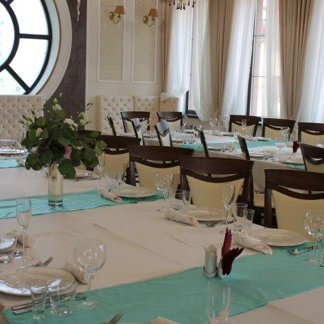 Украшение гостевых столов на свадьбу
