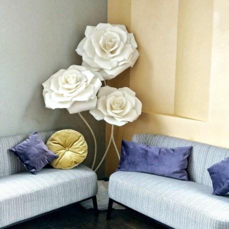 Роза из изолона белая