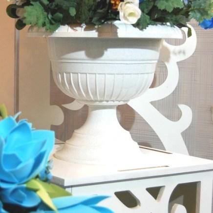 Вазоны с цветами на свадьбу в голубом